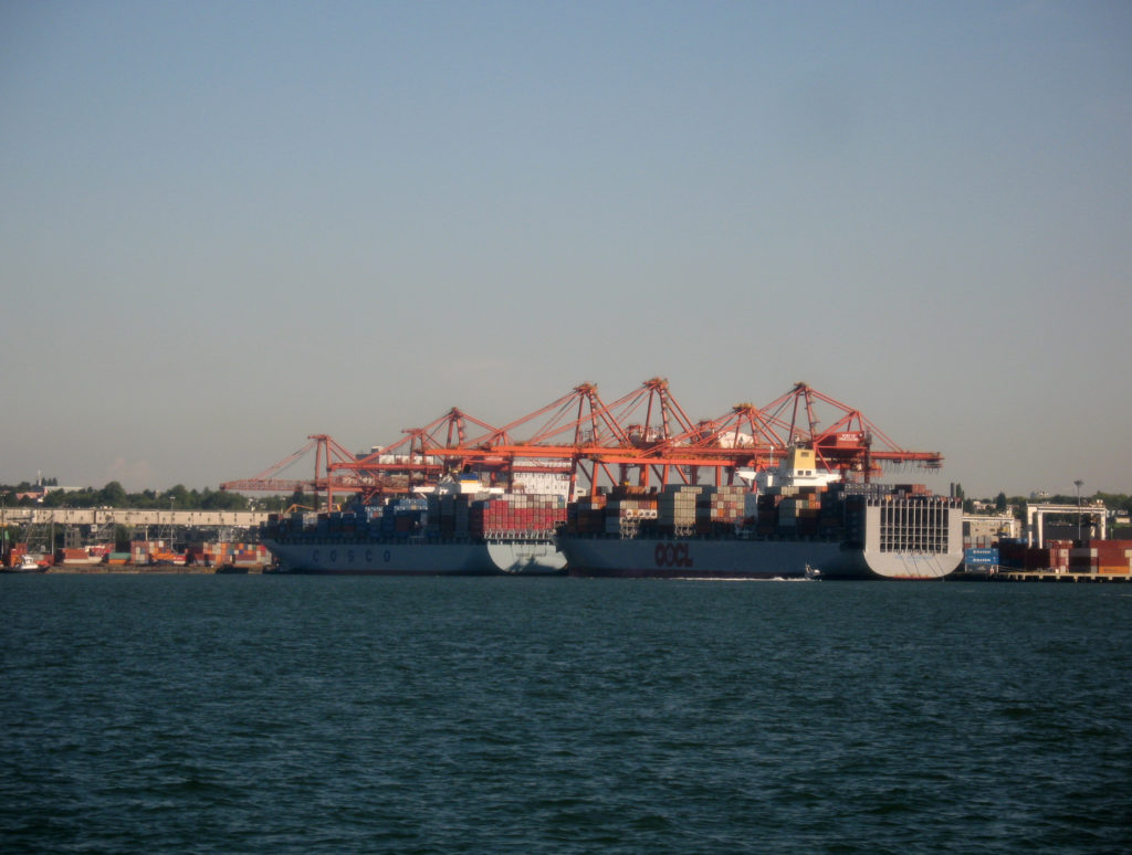 Vancouver Port Unloading Container Ships